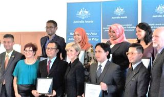 Pacific scholars win Australia Awards